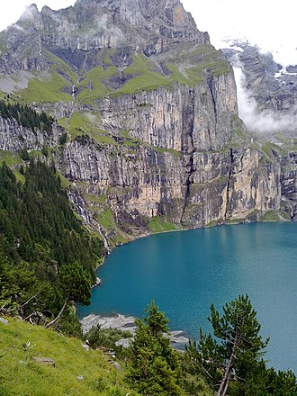 Oeschinen Lake - Image: Oeschinensee 01
