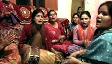 Fil:Om Navashivam, traditional hindu song, Kumaon, Uttarakhand, India.ogv