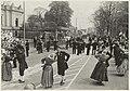 Optreden van een Westfriese dansgroep voor Paviljoen Welgelegen aande Paviljoenslaan tijdens een koninklijk bezoek. NL-HlmNHA 54011217.JPG