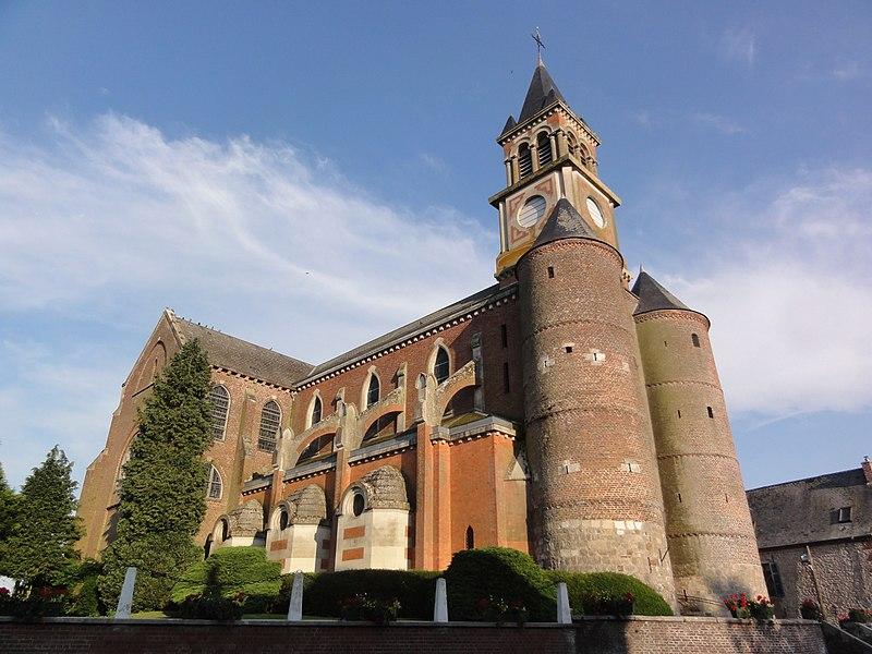 Origny-en-Thiérache (Aisne) église Saint-Cyr-et-Sainte-Julitte, latéral