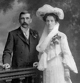 F. O. Oertel - Image: Oscar and Margaret Lechmere Oertel, 25 July 1903