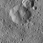 PIA20816-Ceres-DwarfPlanet-Dawn-4thMapOrbit-LAMO-image116-20160320.jpg