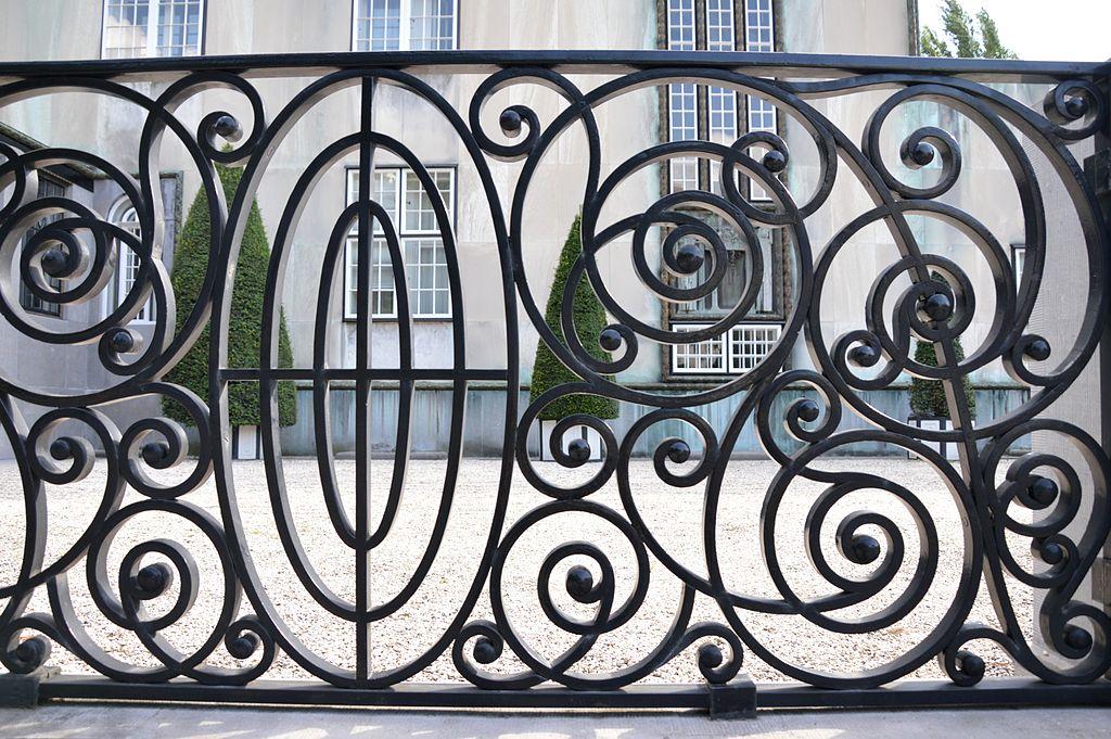 File ppalais stoclet d tail de la grille principale avec for A la verticale du jardin grenoble