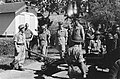 Palembang Y-Brigade Generaal Kruls bij een eenheid rijdende artillerie, Bestanddeelnr 4947.jpg