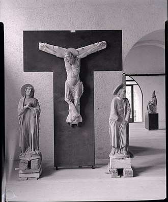 """Castelvecchio Museum - """"The Crucifix and the Weepers"""". Photo by Paolo Monti, 1961 (Fondo Paolo Monti, BEIC)."""