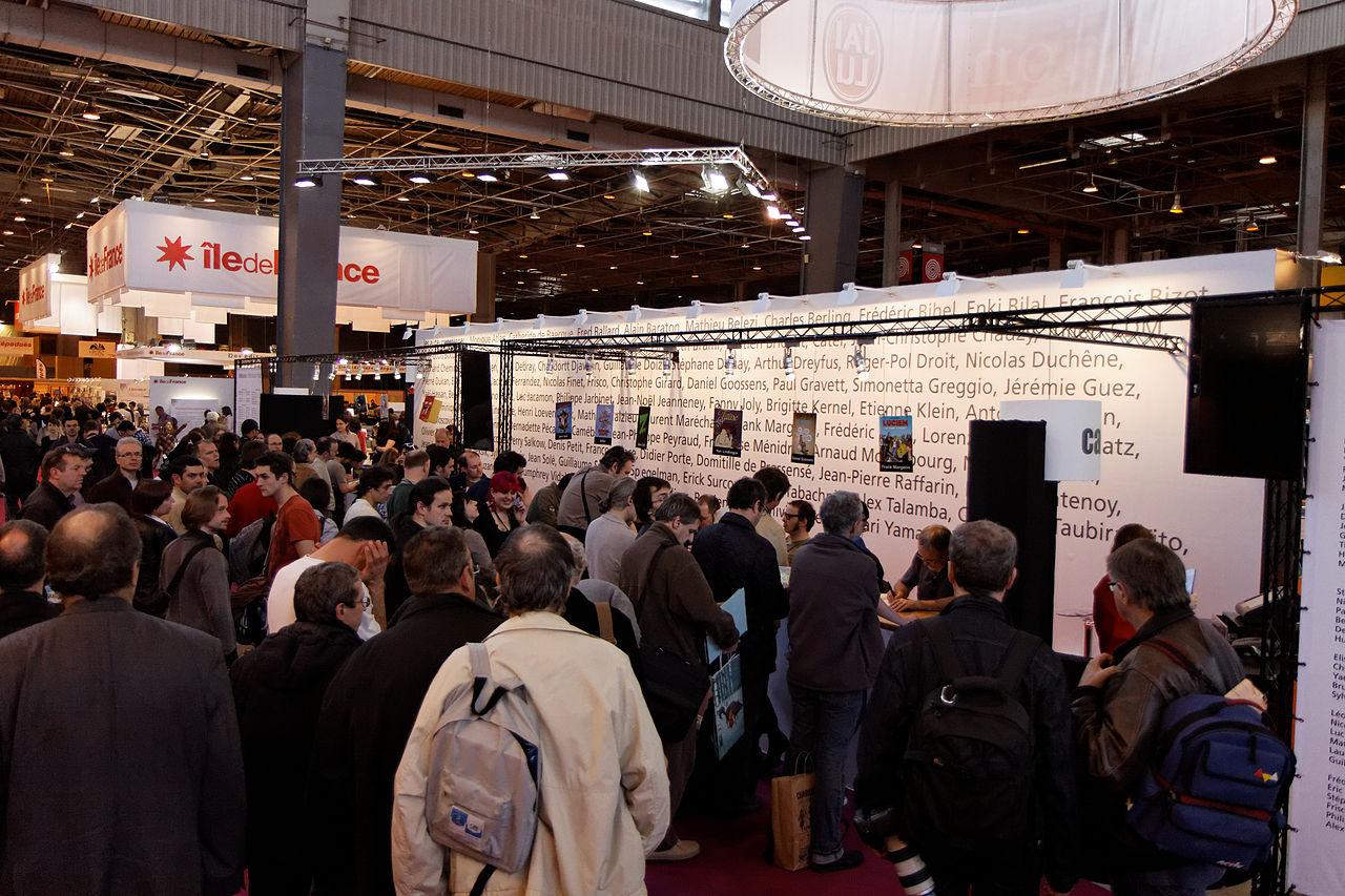 FileParis   Salon du livre 32   Dédicaces sur le stand ...