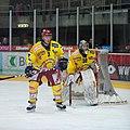 Pascal Lamprecht (L), Martin Zerzuben (R), Lausanne Hockey Club - HC Sierre, 20.01.2010.jpg