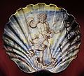 Pavia, a. s. africa (attr.), grande bacile a forma di conchiglia con nettuno, 1690-1700 ca..JPG