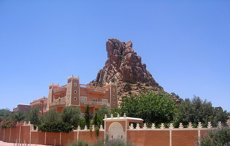 File:Personal mansion in the town of Tafraout, Morocco (Image 1 of 2).jpg