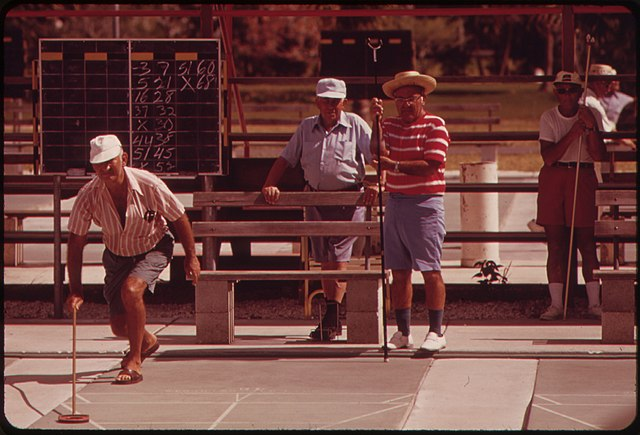 640px-Photograph_of_Shuffleboard_at_the_