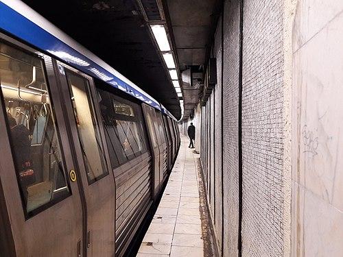 Piața Romană Metro station, Bucharest (32545692198).jpg