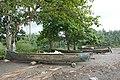 Pirogues sur la plage de São João dos Angolares (São Tomé) (2).jpg