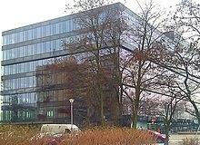 32d544fd9 Pixel – siedziba Grupy Allegro od stycznia 2013; widok od ul. Grunwaldzkiej  w Poznaniu