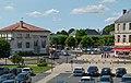 Place centrale à Surgères vue depuis les remparts.JPG
