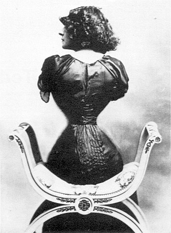 Wasp waist, c. 1900, demonstrated by Polaire, a French actress famous for this silhouette Polaire, French actress 5.jpg