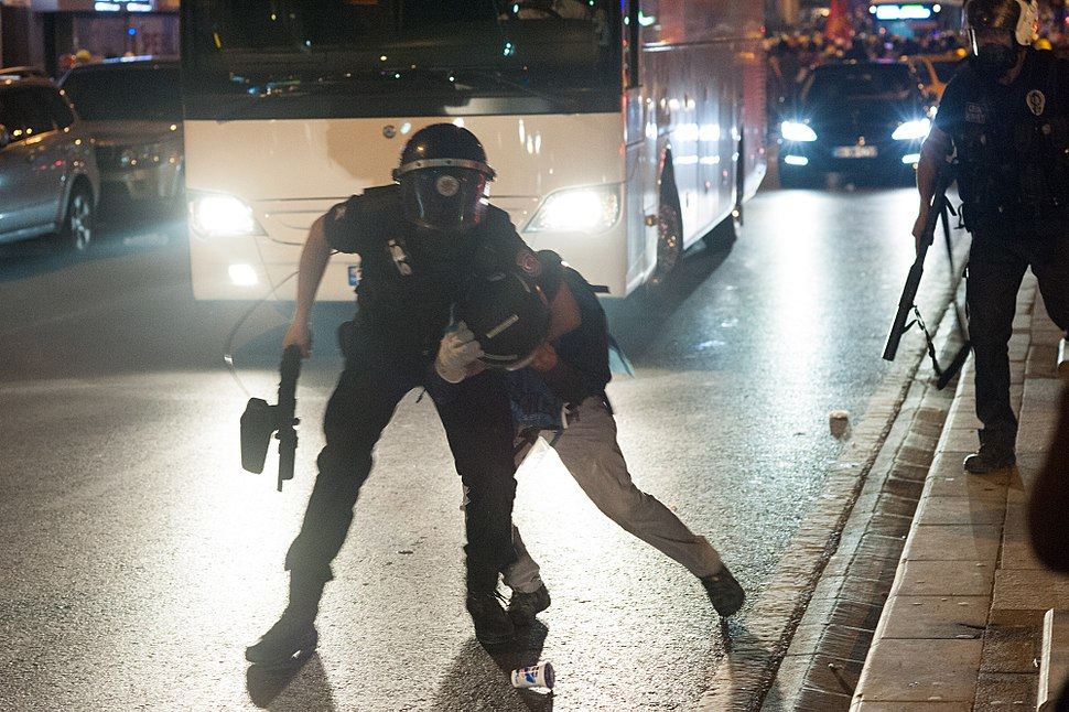 Police action during Gezi park protests in Istanbul. Events of June 15, 2013-6