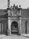 poortje met beeldhouwwerk - dordrecht - 20061556 - rce