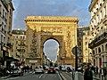 Porte Saint-Denis 1, Paris - le 29 decembre 2011.jpg