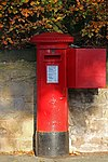 Post box on Golflinks Road, Prenton.jpg