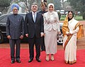 Pratibha Devisingh Patil and the Prime Minister, Dr. Manmohan Singh at the Ceremonial Reception of the President of Turkey, Mr. Abdullah Gul and his wife Mrs. Hayrunnisa Gul, at Rashtrapati Bhavan, in New Delhi.jpg