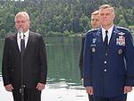 Premier dr. Cerar in general Gorenc za ohranitev enotnosti severnoatlantskega zavezništva 11.JPG