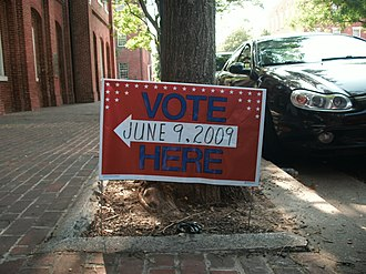 2009 Virginia gubernatorial election - Sign outside Alexandria City Hall, indicating the nearest polling place
