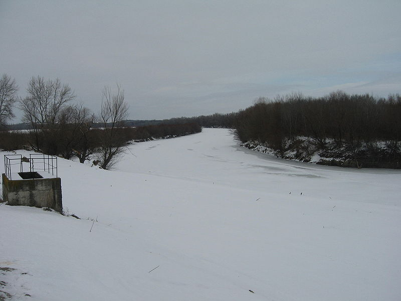 File:Prut River in Winter.jpg