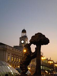 Puerta do sol, orso e corbezzolo simboli di Madrid