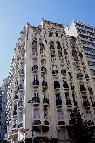 Palacio Rinaldi - Image: Pza Independencia Este 18Julio 839 Pcio Rinaldi 110406 004ht