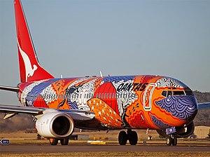 Qantas Boeing 737-800 CBR Gilbert-1.jpg