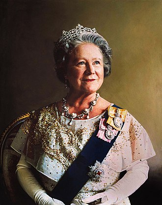 Royal family order - Queen Elizabeth The Queen Mother wearing the insignia of the order