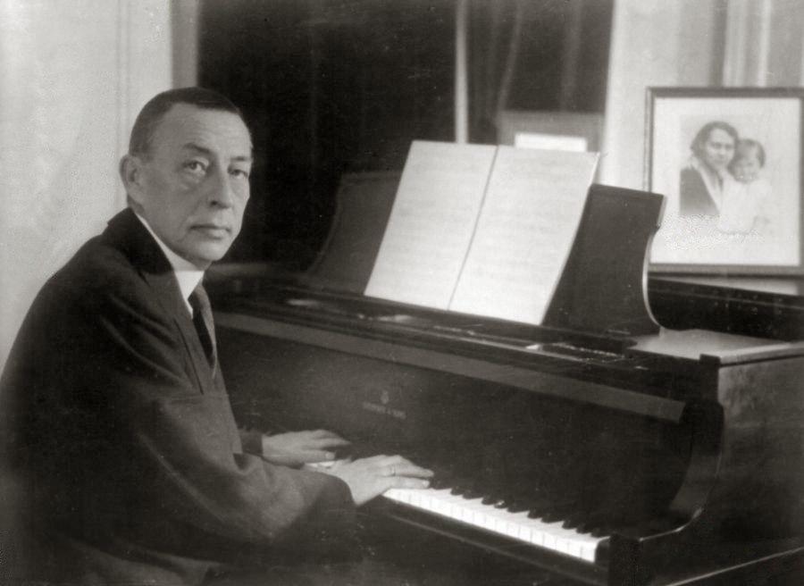 Rachmaninoff playing Steinway grand piano