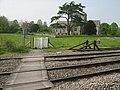 Railway Crossing, Great Bedwyn - geograph.org.uk - 1470962.jpg
