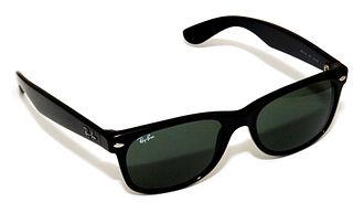 Ray-Ban Wayfarer - Ray-Ban New Wayfarer sunglasses (RB2132 901L)