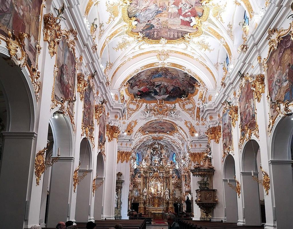 Stiftskirche zur Alten Kapelle am Kornmarkt in Regensburg. Innen.