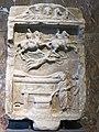 Relief votif - apparition des Dioscures (Louvre, Ma 746).jpg