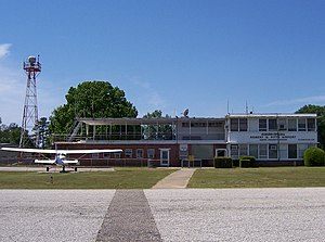 Auburn University Regional Airport - The old FBO