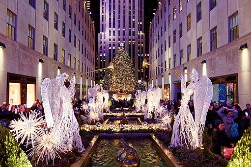 Rockefeller Center Christmas Tree 2016 (31016740890)