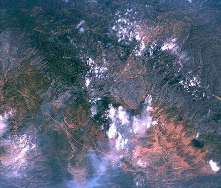 Rodeo-Chediski fires on July 1, 2002, as seen from NASA's ER-2 aircraft Rodeo chediski fire.jpg
