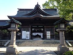 Romon Gate of Taga Shrine in Nogata, Fukuoka.JPG