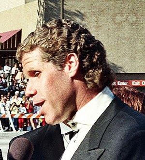 Ron Perlman - Perlman at the 41st Primetime Emmy Awards in September 1989.