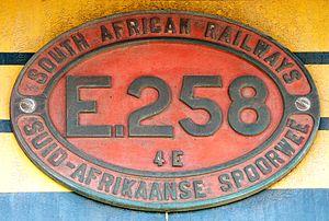 South African Class 4E - Image: SAR Class 4E E258 ID
