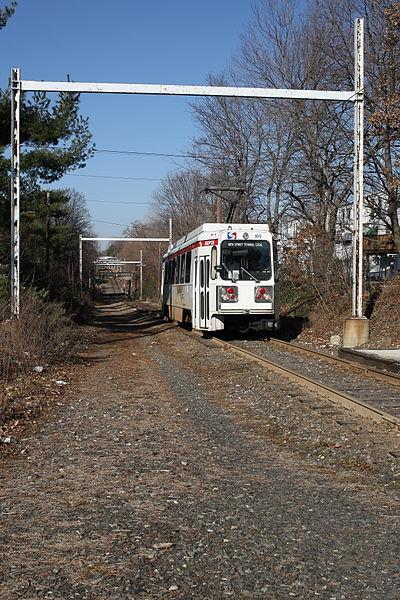 File:SEPTA 106 at Sharon Hill (1), December 2008.jpg