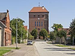 Sandau St. Laurentius von Westen.jpg