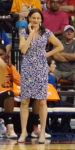 Sandy Brondello at 2015 All-Star Game cropped.png