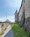Sankt Georgen am Längsee Burg Hochosterwitz Vorhof und Palas-Außenwand 01062015 4357.jpg