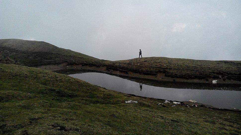 Sar Pass top