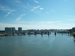 Sea Isl Bridge shot from SkyTrain 3523.JPG