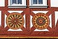 Seligenstadt Marktplatz 5 Rosetten.jpg
