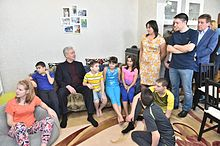Sergey Sobyanin with children (2015-03-13).jpg